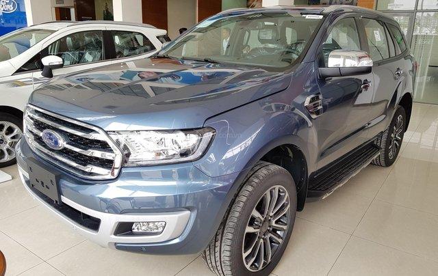 Cần bán nhanh chiếc xe Ford Everest Titanium 2019, màu xanh lam, xe nhập khẩu nguyên chiếc2