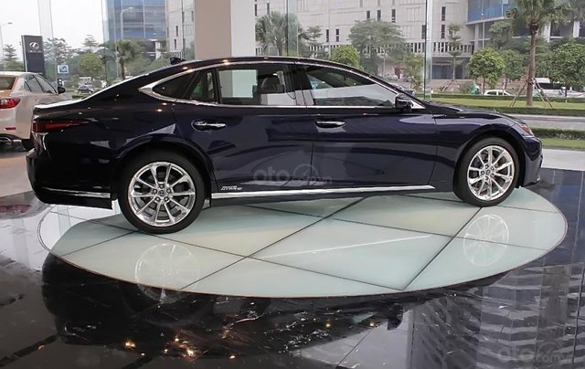 Bán xe Lexus LS 500h năm sản xuất 2018, màu xanh lam, xe nhập0