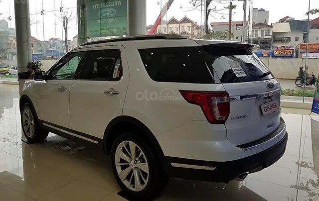 Cần bán xe Ford Explorer Ecoboosst năm sản xuất 2018, màu trắng, nhập khẩu0