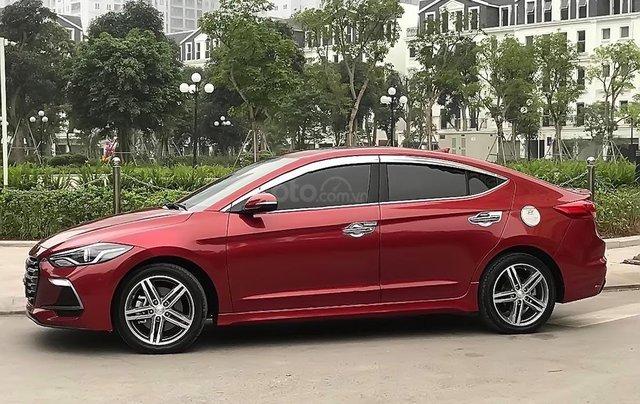 Cần bán gấp Hyundai Elantra 1.6 tubor đời 2018, màu đỏ0