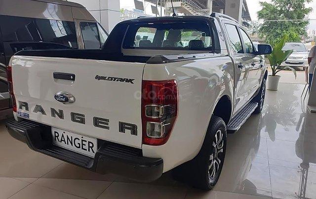 Bán Ford Ranger Wildtrak 2.0L 4x2 AT đời 2019, màu trắng, xe nhập, 853tr1