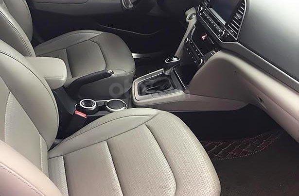 Bán Hyundai Elantra 1.6 AT đời 2016, màu đen 1