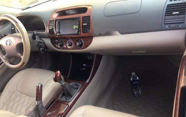Cần bán Toyota Camry năm 2003, 290 triệu3
