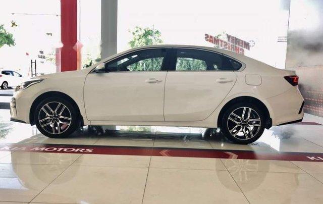 Bán Kia Cerato năm sản xuất 2019, giá chỉ 635 triệu4