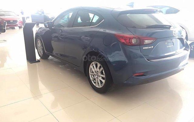 Bán ô tô Mazda 3 1.5 AT đời 2018, màu xanh lam1