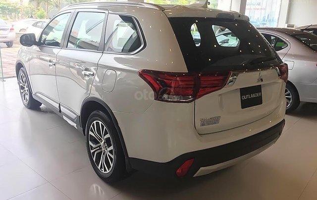 Bán Mitsubishi Outlander 2.0 CVT năm sản xuất 2018, màu trắng1