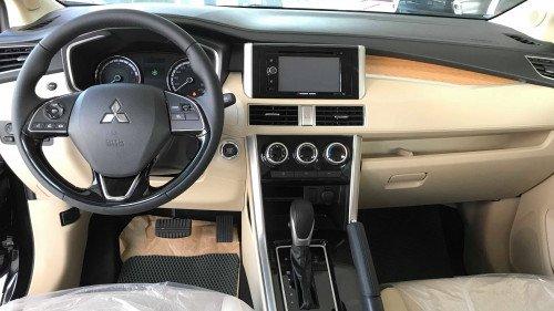 Bán xe Mitsubishi Xpander 1.5L AT đời 2019, màu đen, nhập khẩu3