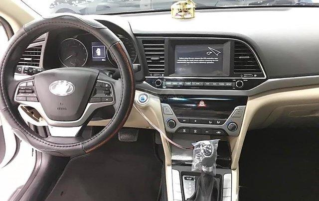 Bán Hyundai Elantra 1.6 AT 2019, màu trắng, giá chỉ 600 triệu2