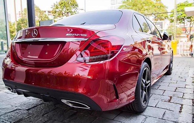 Cần bán xe Mercedes C300 năm 2019, màu đỏ1