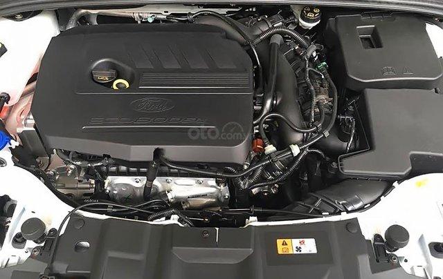 Cần bán xe Ford Focus Trend 1.5L sản xuất năm 2019, màu trắng, giá chỉ 550 triệu4