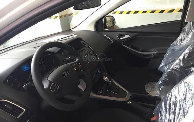 Cần bán xe Ford Focus Trend 1.5L sản xuất năm 2019, màu trắng, giá chỉ 550 triệu3