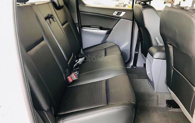 Bán xe Mazda BT 50 2.2L 4x2 ATH sản xuất 2018, màu trắng, mới 100% 1