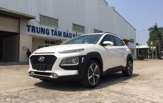 Bán gấp chiếc Hyundai Kona 2.0AT ưu đãi giá khủng, hỗ trợ trả góp, giao nhanh1