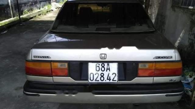 Cần bán xe Honda Accord sản xuất 1984, mọi chức hoạt động đầy đủ1