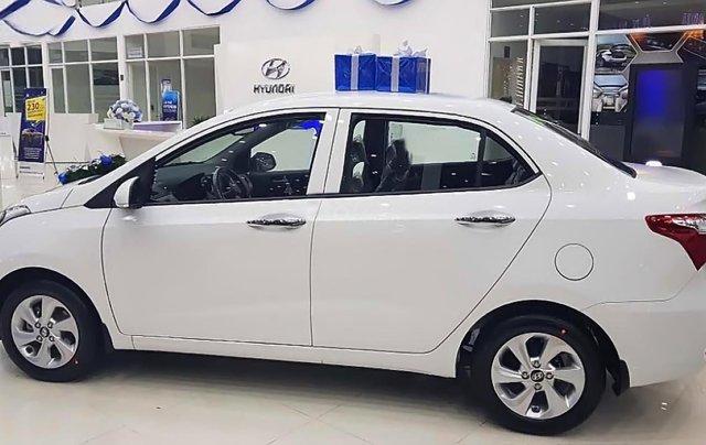 Bán xe Hyundai Grand i10 sản xuất 2019, màu trắng, giá chỉ 408 triệu0