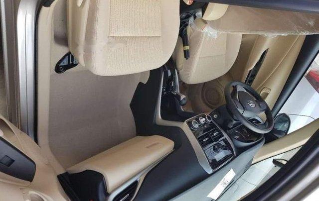Cần bán Toyota Vios 2019, màu đỏ giá cạnh tranh3