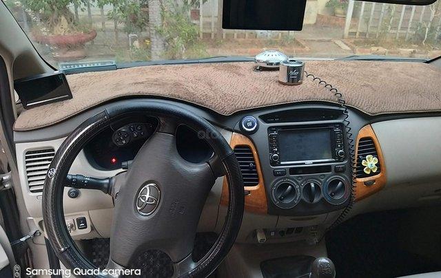 Cần bán Toyota Innova G 2011, màu bạc4
