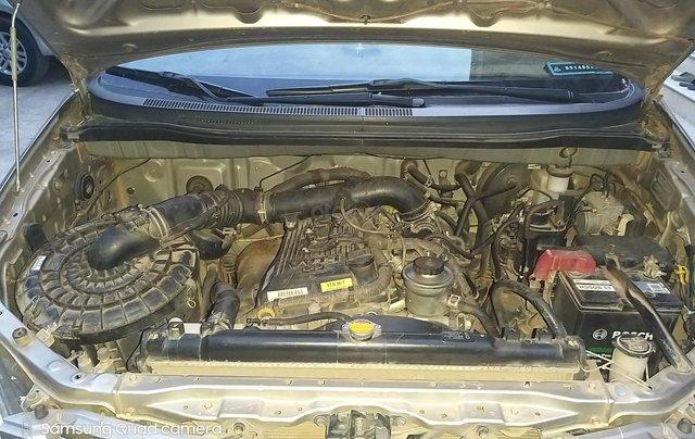 Cần bán Toyota Innova G 2011, màu bạc6