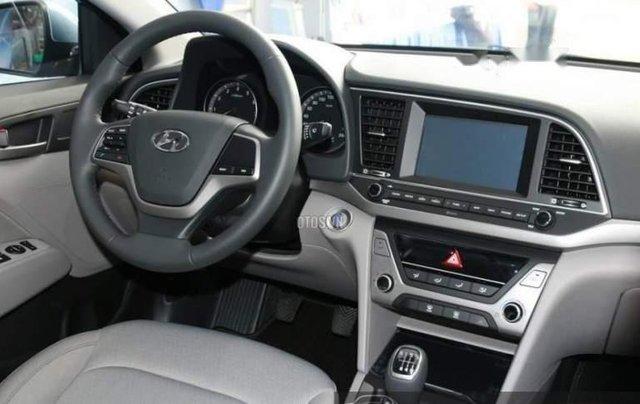 Bán ô tô Hyundai Elantra MT năm sản xuất 2019 giá cạnh tranh4