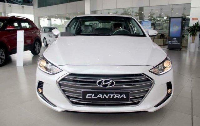 Bán ô tô Hyundai Elantra MT năm sản xuất 2019 giá cạnh tranh0