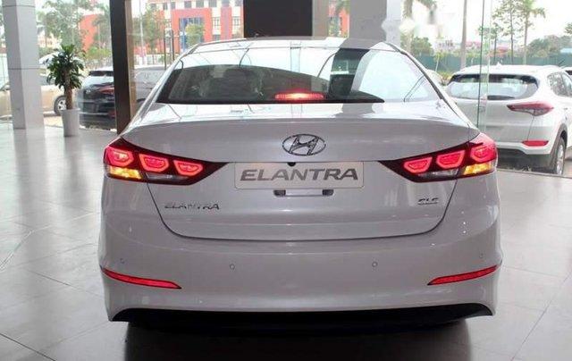 Bán ô tô Hyundai Elantra MT năm sản xuất 2019 giá cạnh tranh3