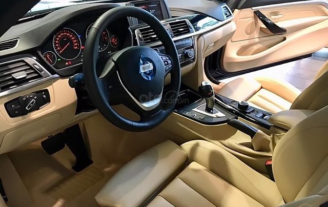 Bán xe BMW 420i Convertible mui trần mới 100%, số tự động, xe 2 cửa, 4 chỗ3