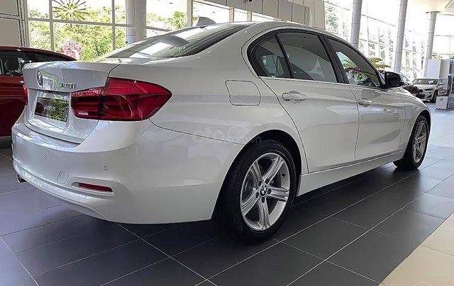 Bán BMW 320i đời 2019 sản xuất & nhập khẩu nguyên chiếc từ Đức3