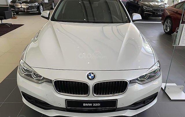 Bán BMW 320i đời 2019 sản xuất & nhập khẩu nguyên chiếc từ Đức0