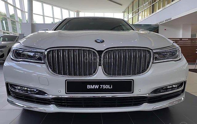 Bán BMW 750Li sản xuất năm 2019, màu trắng, nhập khẩu4
