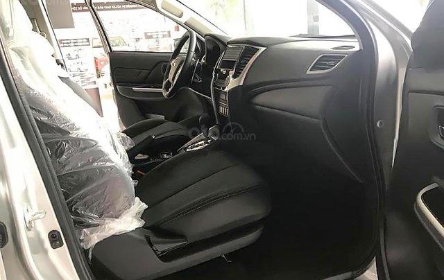 Bán Mitsubishi Triton 4x4 AT Mivec 2019, màu bạc, nhập khẩu Thái4