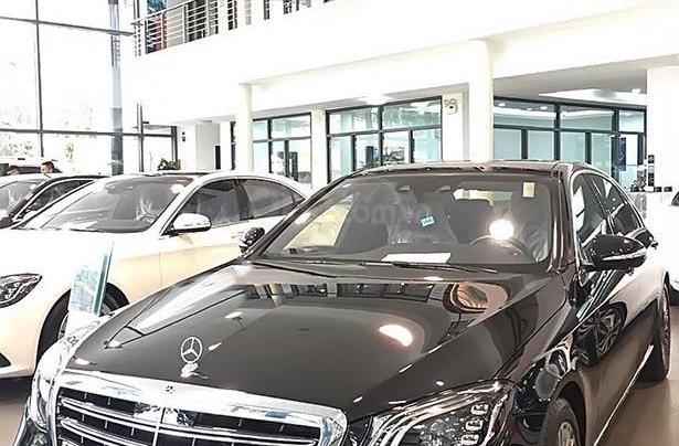 Cần bán xe Mercedes S450L năm 2019, màu đen, giá tốt0