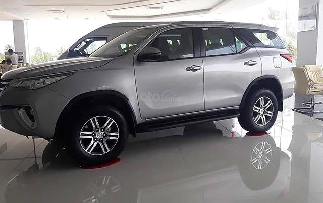 Bán Toyota Fortuner - Nhập khẩu Indonesia, xe màu bạc, giao ngay0