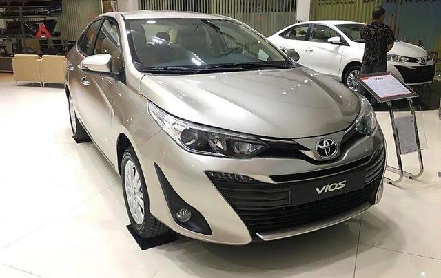 Cần bán xe Toyota Vios 1.5G AT đời 2019, màu bạc, mới 100%0