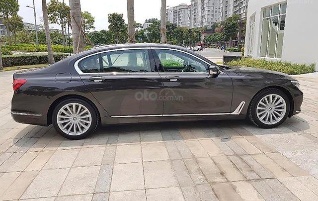 Bán BMW 740Li sản xuất năm 2019, màu nâu, nhập khẩu1