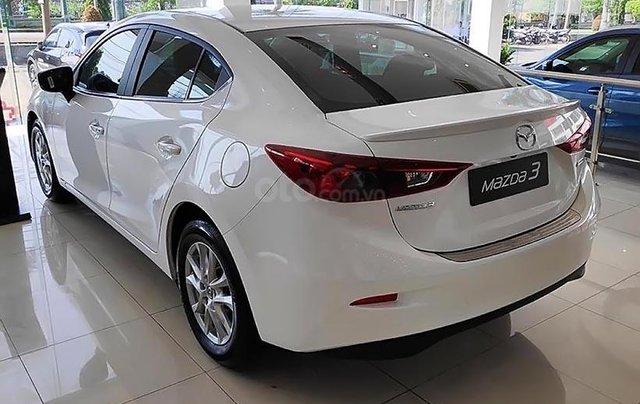 Bán Mazda 3 1.5 AT 2019, màu trắng, giá cạnh tranh1