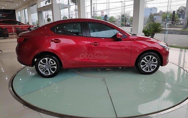 Bán xe Mazda 2 Deluxe sản xuất năm 2019, màu đỏ, nhập khẩu1