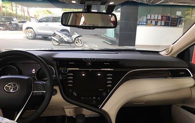 Bán Toyota Camry 2.5Q 2019 nhập khẩu nguyên chiếc Thái Lan, bản Sedan màu đen, nội thất màu kem2