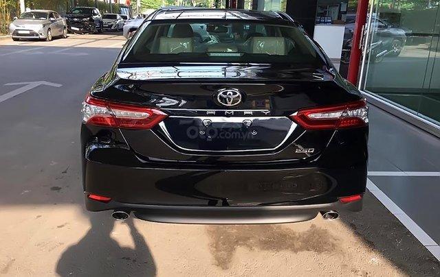 Bán Toyota Camry 2.5Q 2019 nhập khẩu nguyên chiếc Thái Lan, bản Sedan màu đen, nội thất màu kem1