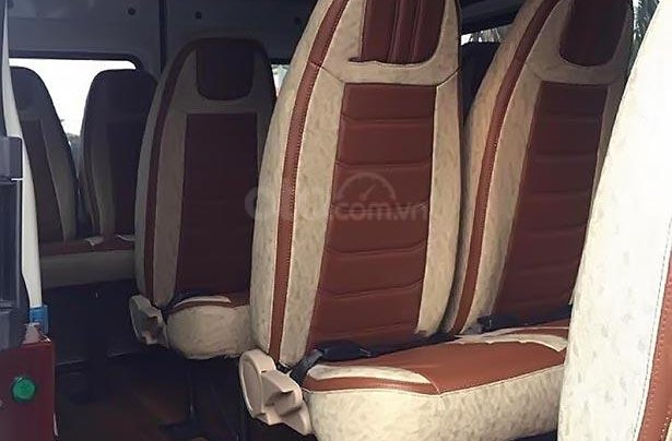 Cần bán xe Ford Transit SVP Limited sản xuất 2019, màu bạc, giá 849tr3