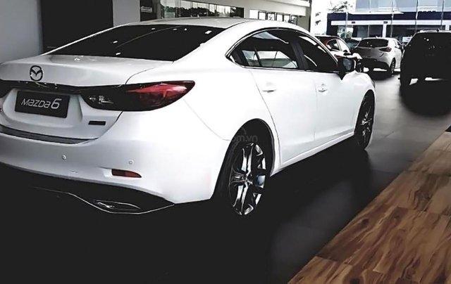 Bán Mazda 6 2.0L Premium năm 2019, màu trắng giá cạnh tranh1