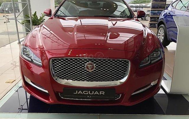 Bán ô tô Jaguar XJL 3.0 Portfolio năm 2019, màu đỏ, nhập khẩu, mới 100%0