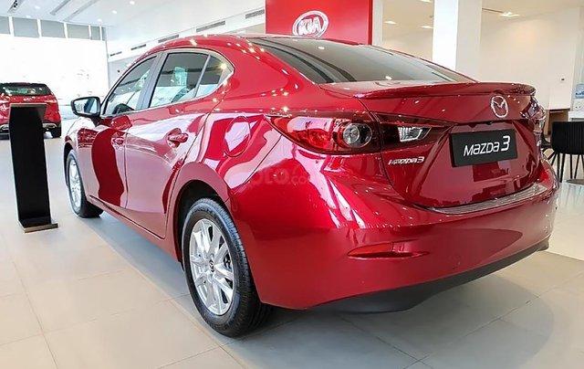 Cần bán xe Mazda 3 1.5 AT sản xuất 2019, màu đỏ, mới 100%1