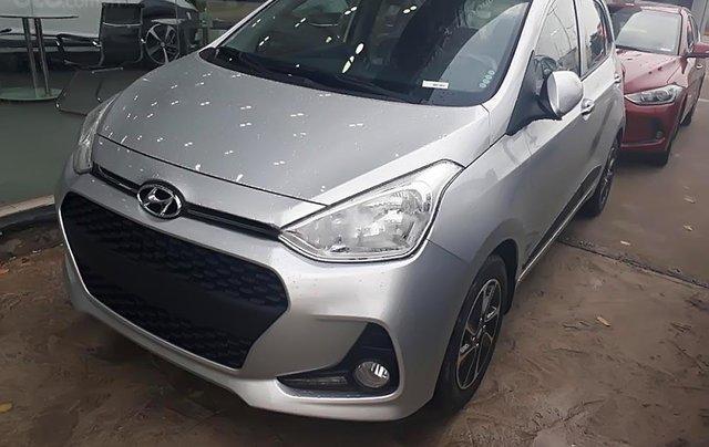 Bán xe Hyundai Grand i10 1.2 MT đời 2019, màu bạc, mới 100%0