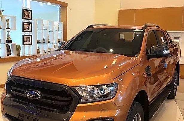 Bán Ford Ranger Wildtrak 2.0L 4x4 AT sản xuất năm 2019, màu vàng 0