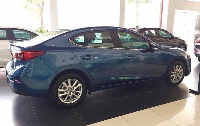 Cần bán xe Mazda 3 sản xuất năm 2019, màu xanh lam1