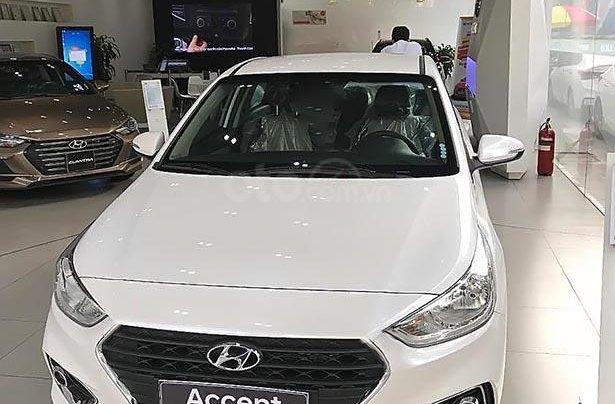 Bán Hyundai Accent 1.4 MT Base sản xuất năm 2018, màu trắng0