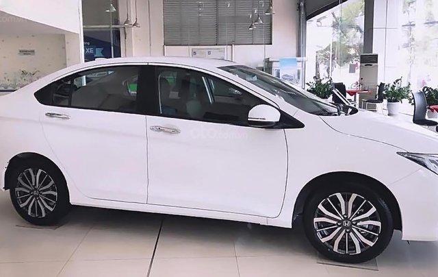 Bán xe Honda City 1.5TOP năm 2019, màu trắng, 580 triệu1