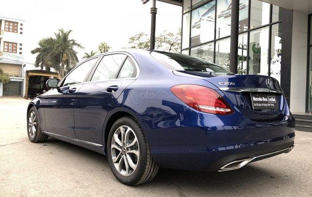 Cần bán Mercedes C200, màu xanh nội thất đen2