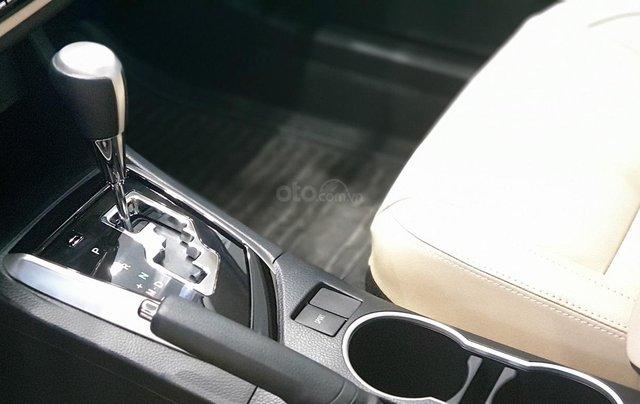 Toyota Altis 1.8G giao ngay, chiết khấu tiền mặt trực tiếp, lắp đặt phụ kiện chính hãng8