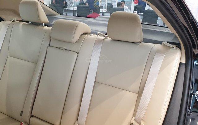 Toyota Altis 1.8G giao ngay, chiết khấu tiền mặt trực tiếp, lắp đặt phụ kiện chính hãng10